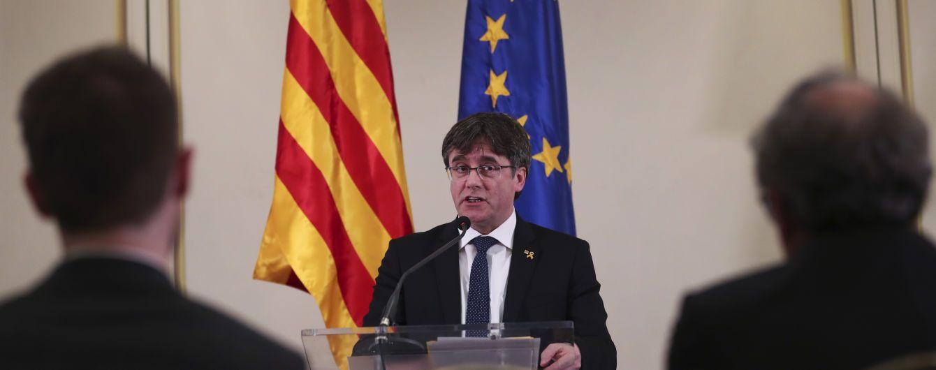 Суд дозволив лідеру каталонських сепаратистів Пучдемону балотуватися до Європарламенту