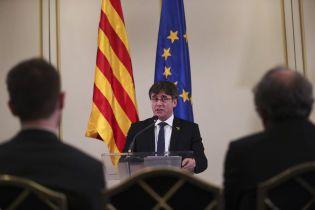Суд разрешил лидеру каталонских сепаратистов Пучдемону баллотироваться в Европарламент
