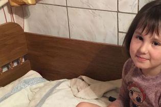 15 тысяч евро нужны, чтобы спасти ножку 8-летней Насти