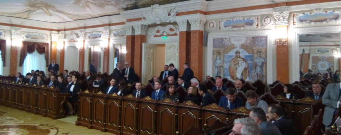 У Зеленського переглянуть останні призначення Порошенка та перезапустять набір до Верховного суду