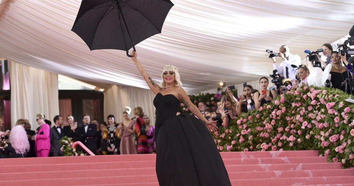 Леди Гага. Вторая платье @ Associated Press