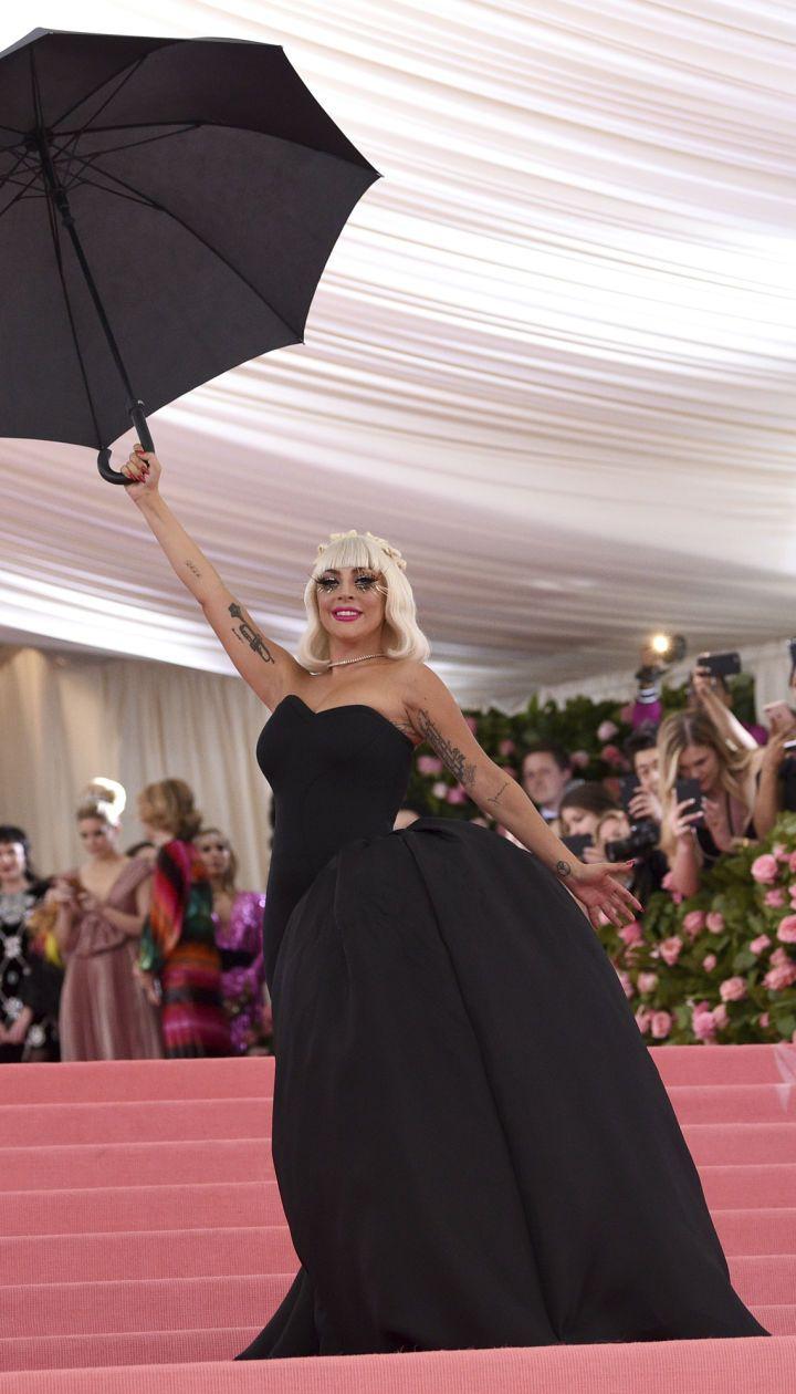 Леді Гага. Друга сукня