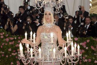 """Джаред Лето з двома головами та """"люстра"""" Кеті Перрі: найяскравіші зіркові образи Met Gala-2019"""