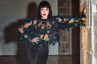 Горячая штучка: Даша Астафьева в нижнем белье похвасталась упругими ягодицами