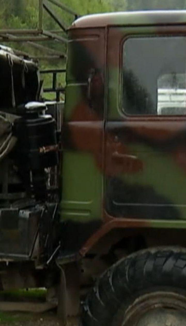 Полиция объявила о подозрении водителю грузовика, который сорвался в пропасть в Коломые