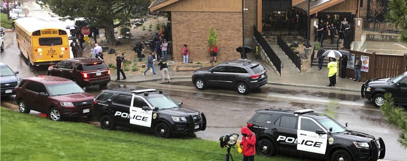 Подробности смертельной стрельбы в Колорадо: на нападавшего бросились трое школьников