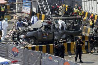 В Пакистане взорвали мечеть: десятки раненых, есть погибшие