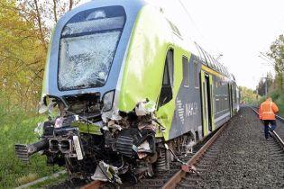 В Германии поезд столкнулся с грузовиком, пострадали десятки людей