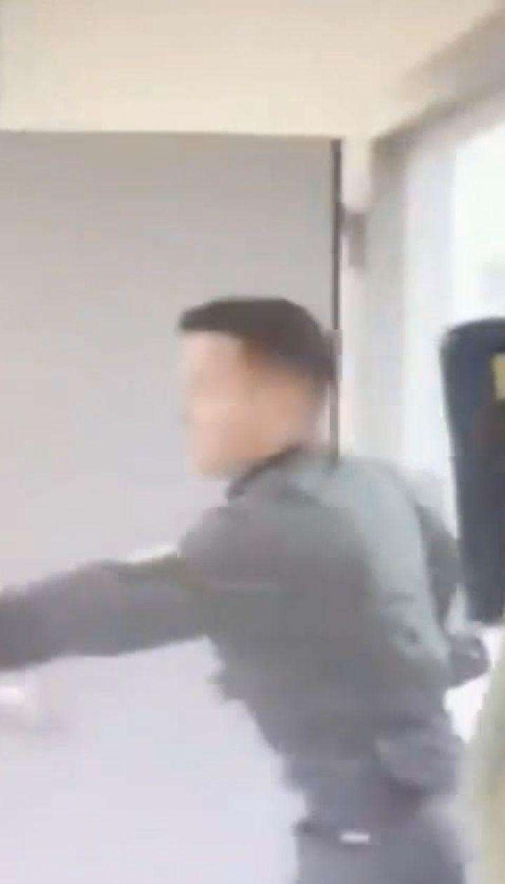 """В аеропорту """"Київ"""" росіянин намагався прорватися повз наряд прикордонників"""