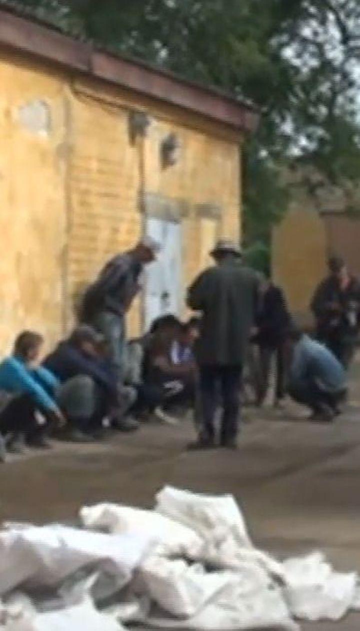Дельцы грабили бывшие артсклады и продавали оружие на Запорожье