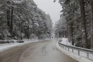 Северо-западную Турцию засыпало снегом