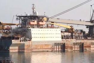 У пожежі на азербайджанському судні в Каспійському морі постраждали 14 осіб