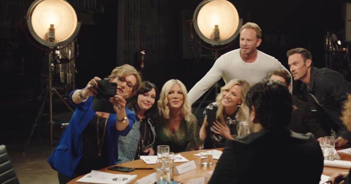 """Телеканал Fox показал превью перезапуска культового сериала """"Беверли Хиллс 90210"""""""