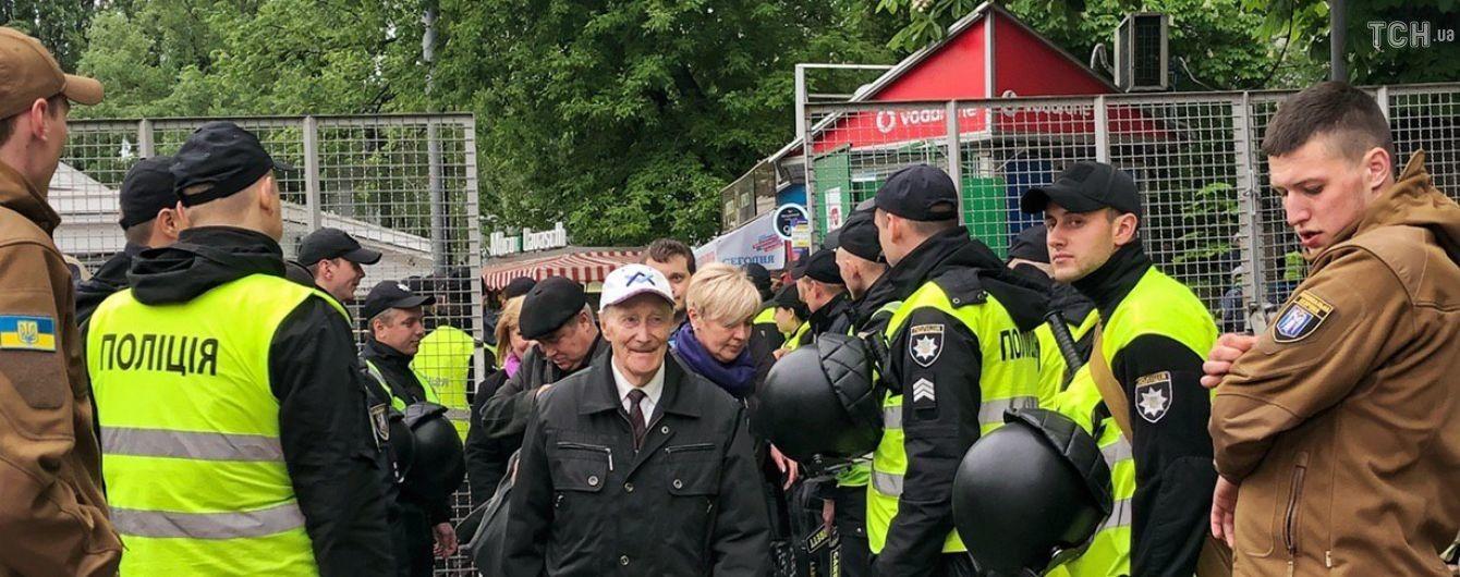 В полиции похвалили украинцев за законопослушность 9 мая