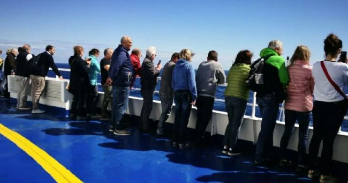 В морі неподалік Хорватії зламався круїзний лайнер з кількома сотнями пасажирів