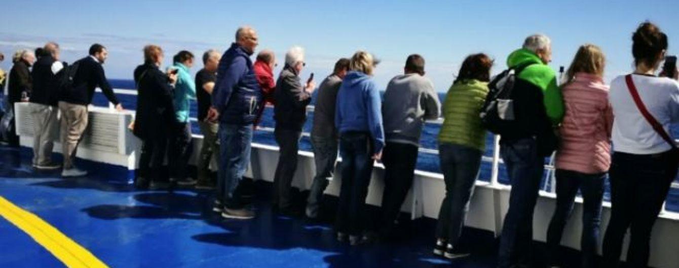 В море неподалеку Хорватии сломался круизный лайнер с несколькими сотнями пассажиров