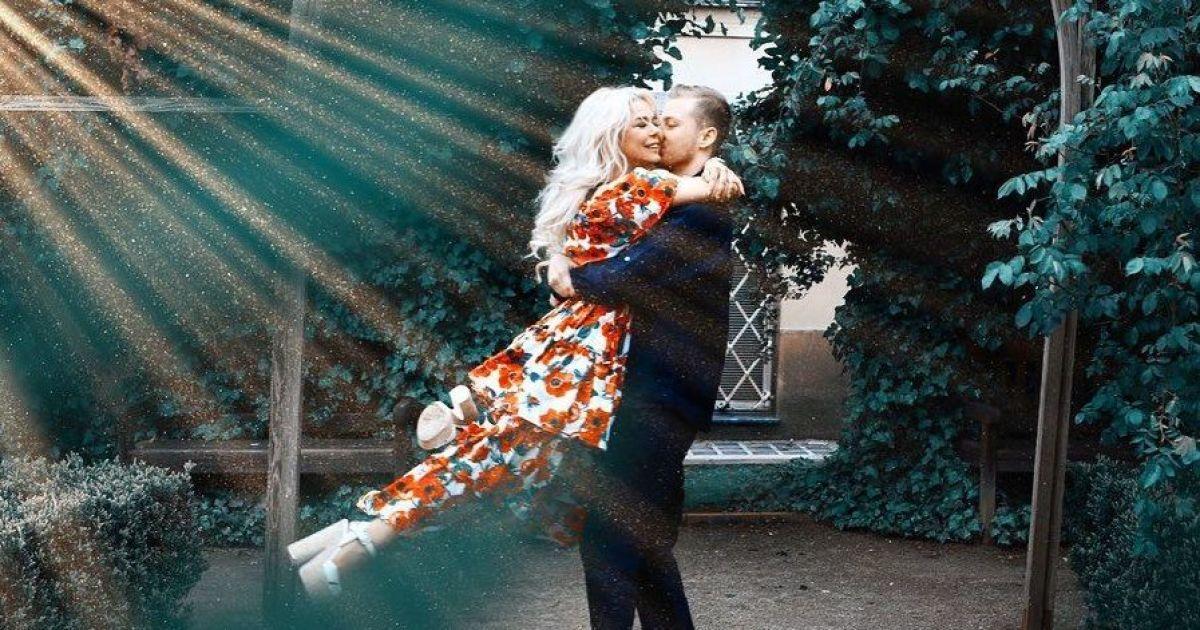 Аліна Гросу замилувала романтичними фото з нареченим