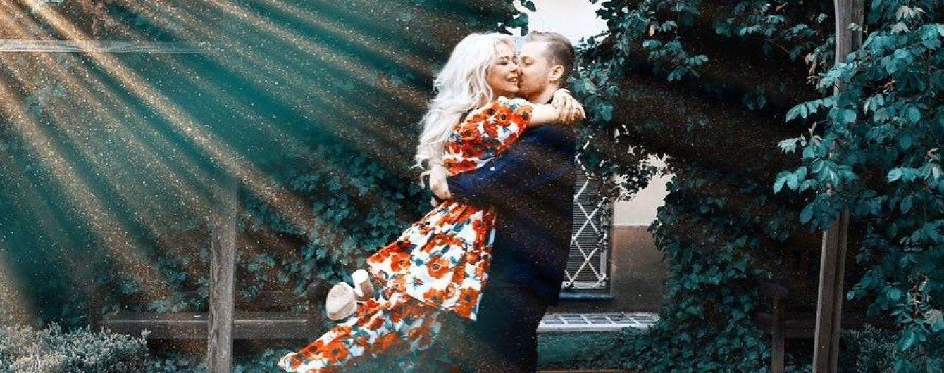 Алина Гросу растрогала романтичными фото с женихом