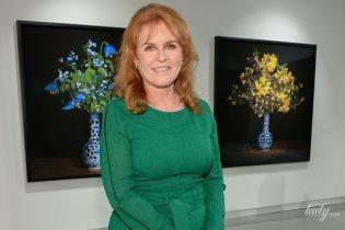 В изумрудном платье: красивая Сара Йоркская посетила выставку в Торонто