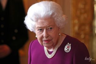 Выглядит невероятно: 93-летняя королева Елизавета II вместе с 97-летним мужем принцем Филиппом посетила торжественный прием