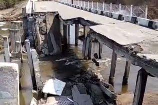 В России обвалился автомобильный мост