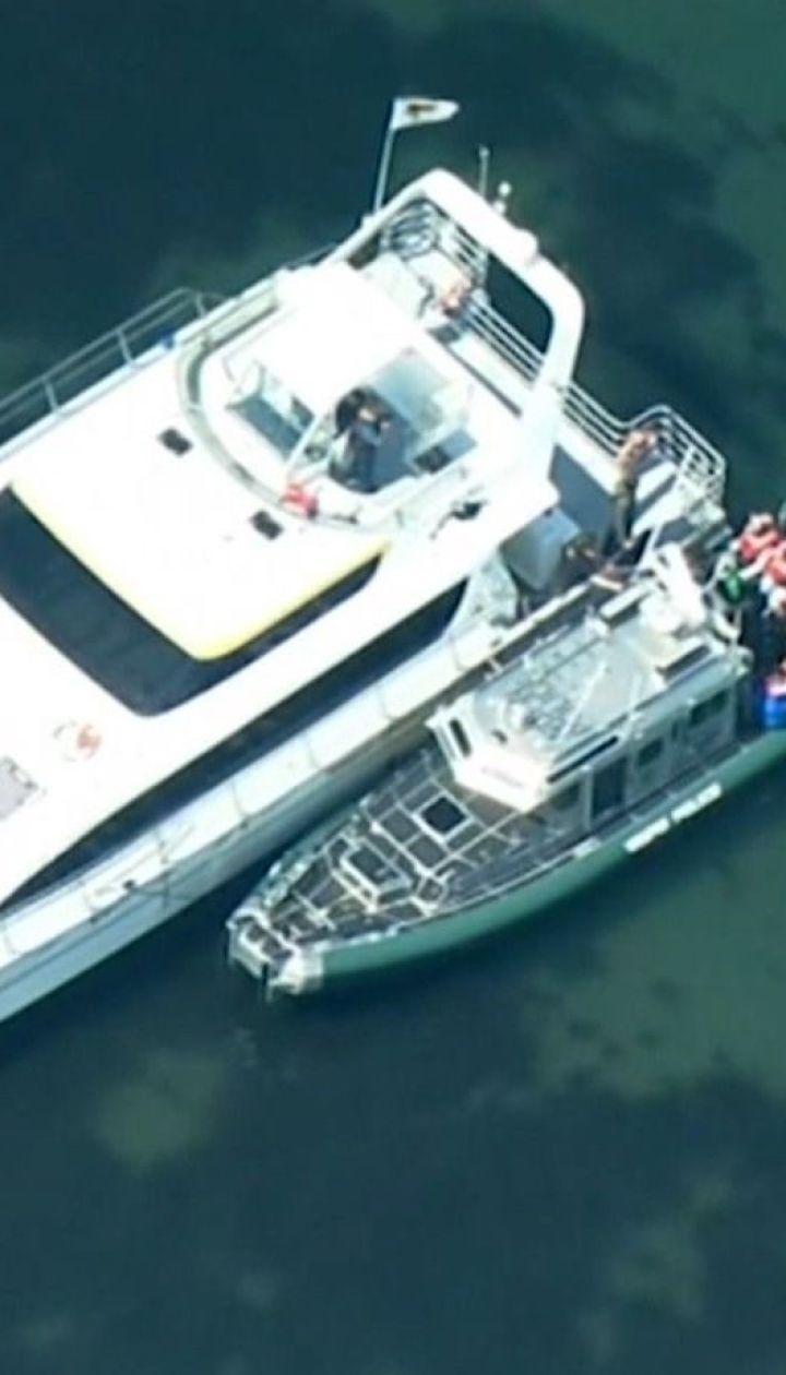 Хотіли дивитись на китів: берегова охорона США врятувала 49 людей від загибелі