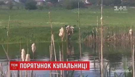 Женщину, которая в верхней одежде залезла в озеро, спасли в Кропивницком