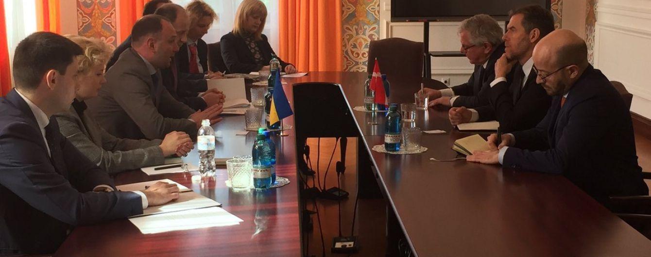 Викрадення дитини у Запоріжжі. Представники МЗС України і Данії обговорили ситуацію