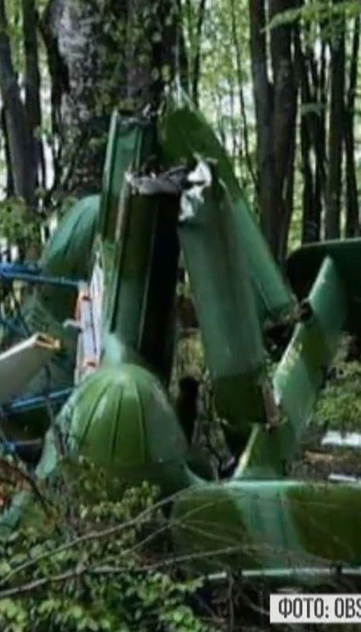 В лесу на украинско-румынской границе нашли разбитый вертолет