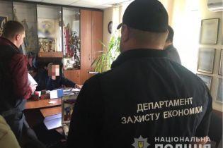 На Херсонщині голова тергромади вимагав перевести хабар на рахунок громадської організації
