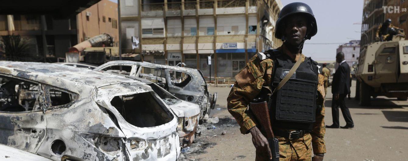 Двое французских военных были убиты в Буркина-Фасо во время освобождения туристов из плена