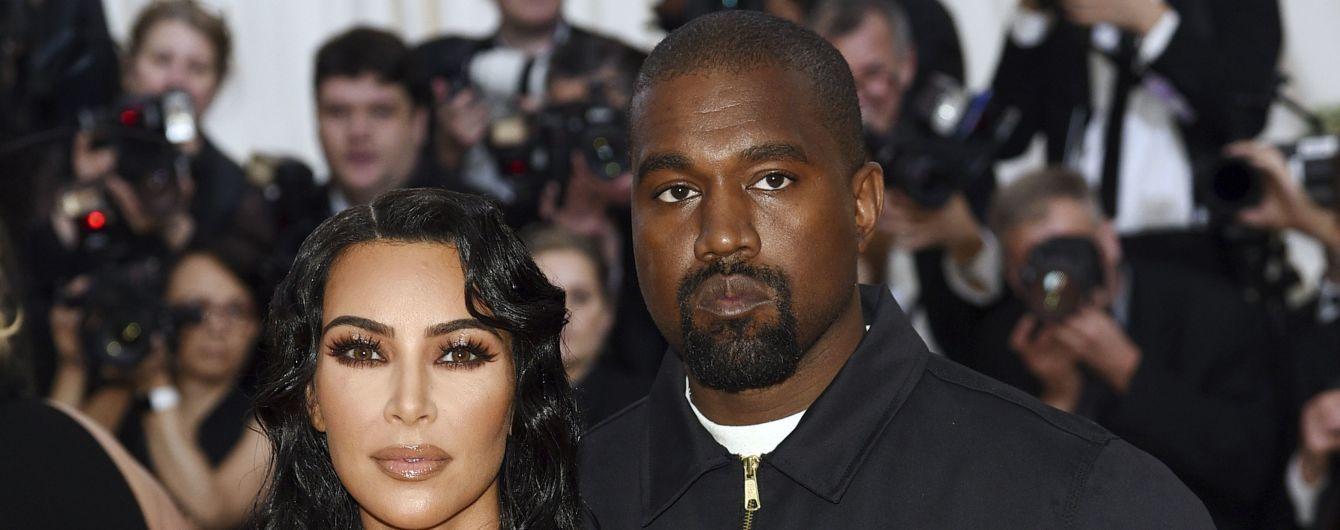 Официально: Ким Кардашян и Канье Уэст стали родителями в четвертый раз