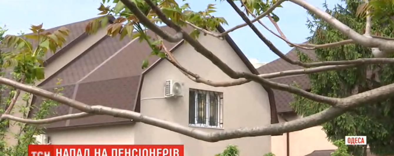 Пограбування пенсіонерів в Одесі. Зловмисники вивчали місцевість за тиждень до нападу