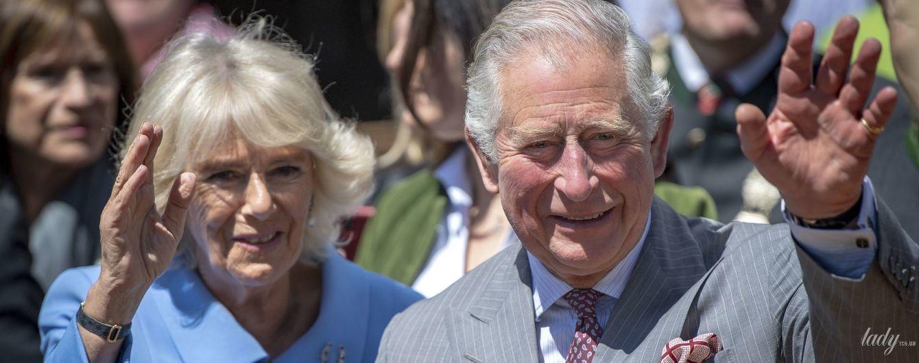 В голубом наряде и с красивой брошью: герцогиня Корнуольская на приеме в Мюнхене