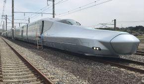В Японії показали найшвидший у світі поїзд, який розганятиметься до 360 км/год