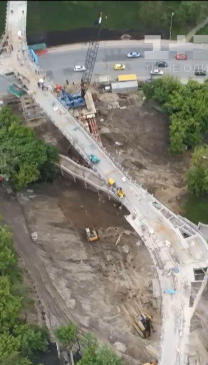 Дуэль архитекторов: швейцарцы заявляют, что у них украли дизайн пешеходного моста в Киеве