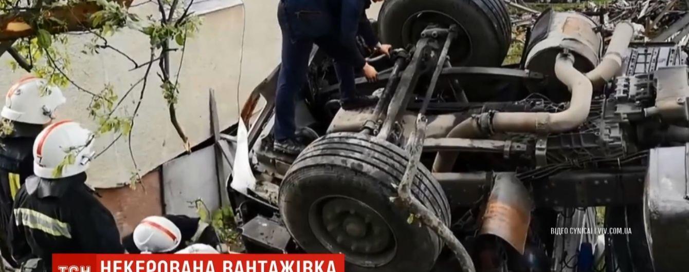У центрі міста на Львівщині відмовили гальма в цистерни з водою