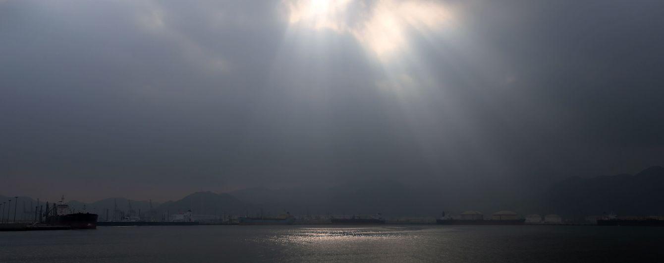 СМИ сообщили о взрывах в порту Эль-Фуджайра Арабских Эмиратов. Власти опровергли информацию