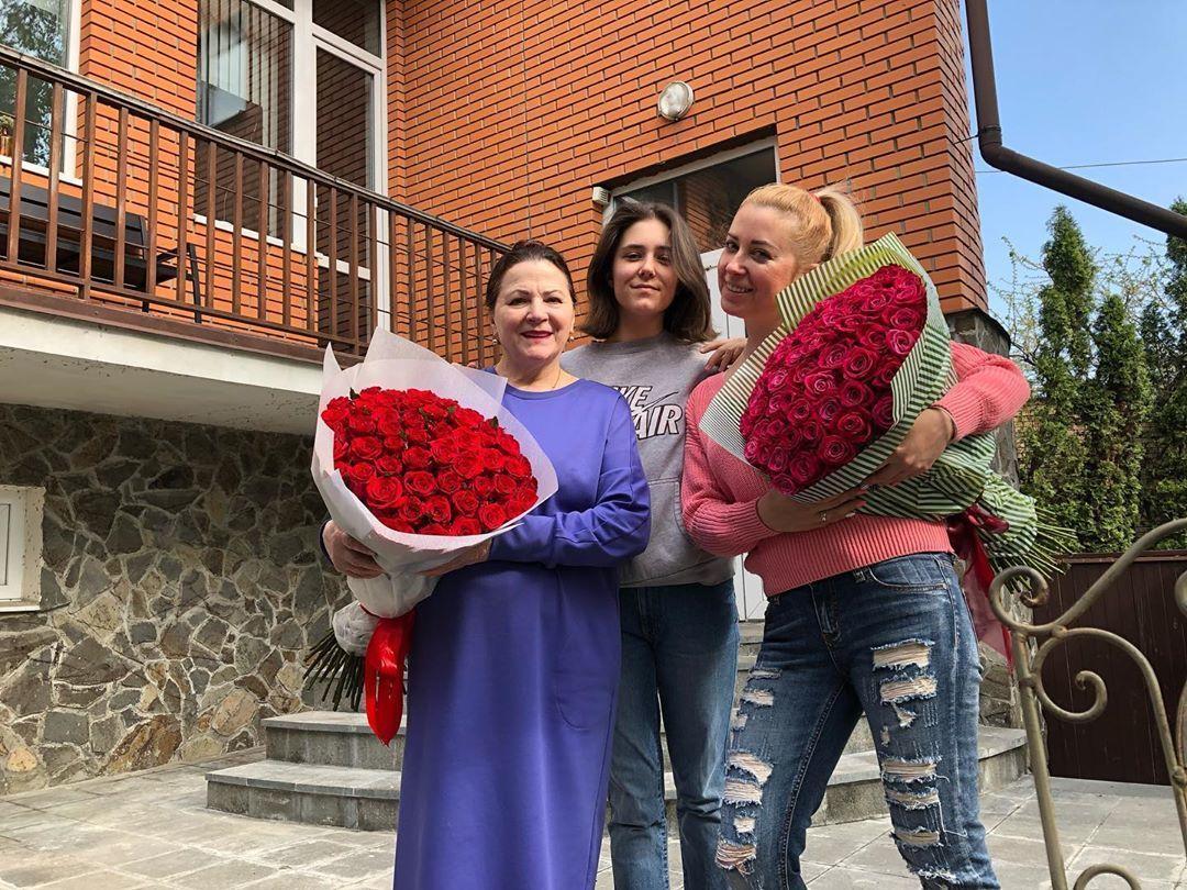 Тоня Матвієнко з мамою