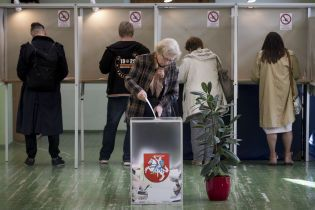 В Литве начали считать голоса на президентских выборах: озвучен предварительный фаворит