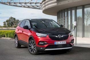 Opel представив кросовер Grandland X на гібриді