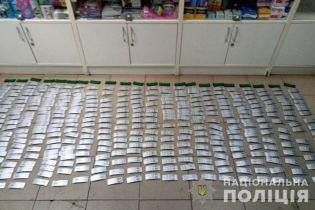 На Донеччині правоохоронці припинили незаконний продаж нарковмісних ліків в аптеках