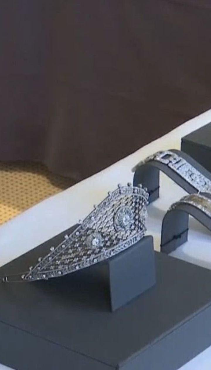 Діадема Фаберже та кольє Катерини ІІ: весняний ювелірний аукціон стартував у Швейцарії