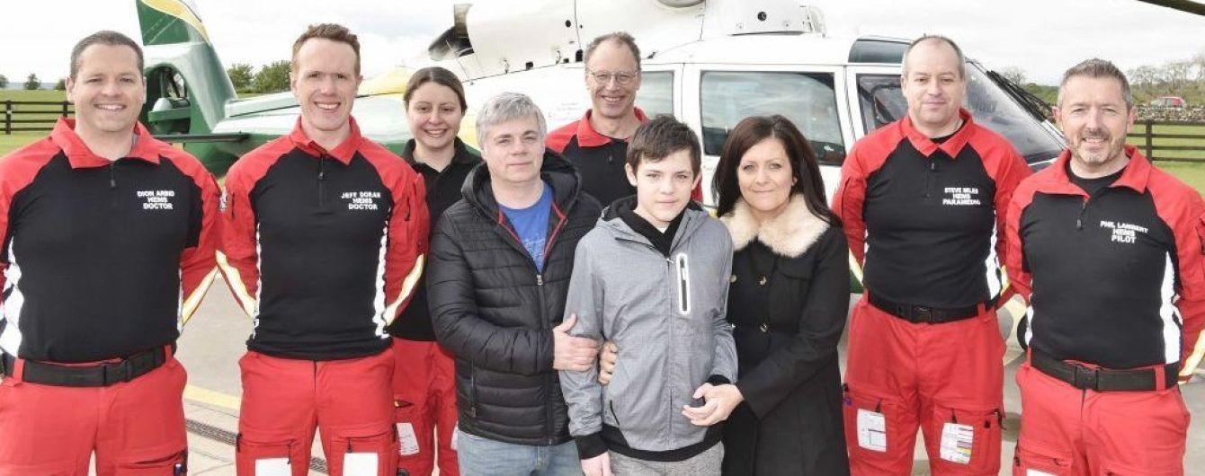 У Великій Британії хлопчик вижив після того, як пробув під водою 25 хвилин