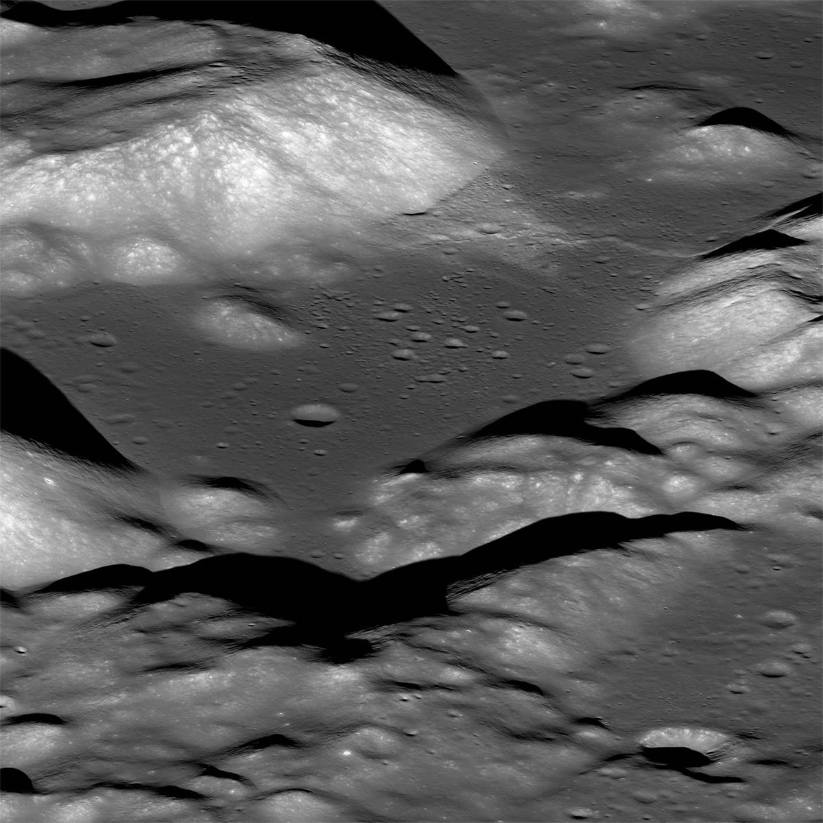 Розломи на Місяці