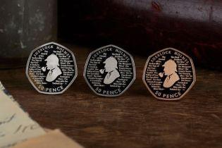 В Англії випустили монету на честь Шерлока Холмса, котру можна розгледіти лише в лупу