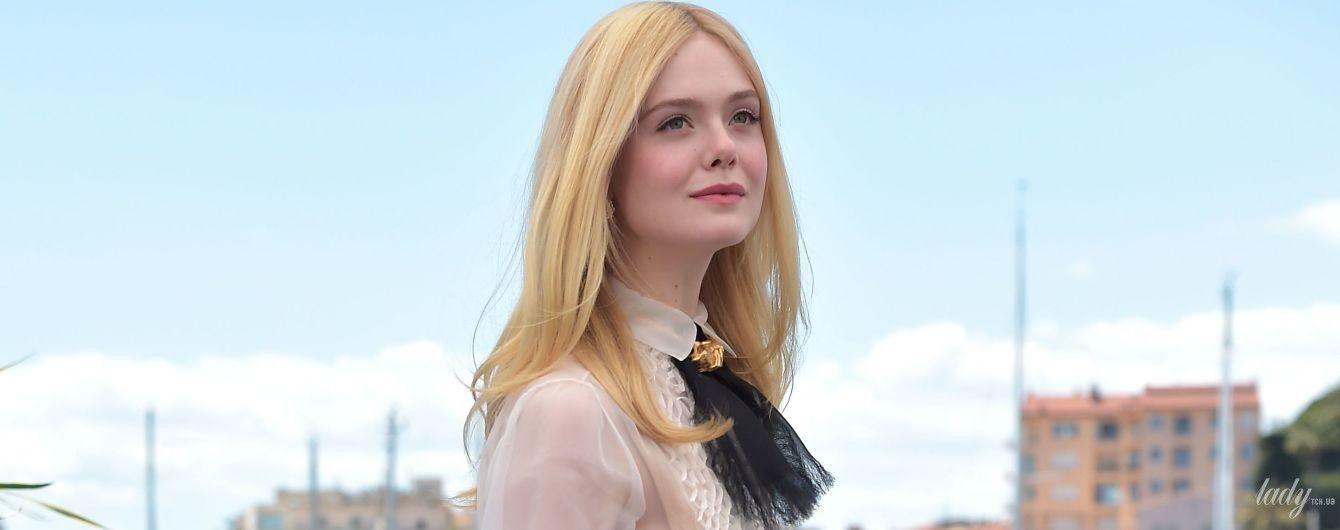 Наймолодша член журі: Ель Феннінг одягла на фотокол в Каннах напівпрозору блузку