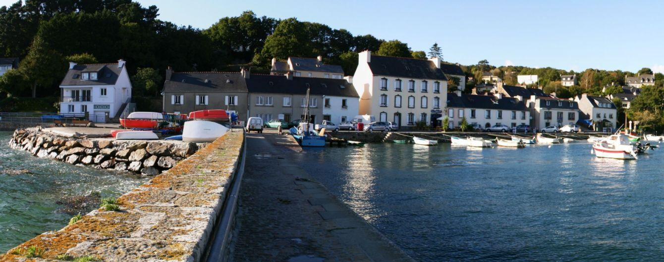 Во французской деревне заплатят €2000 тому, кто расшифрует древнюю надпись на камне
