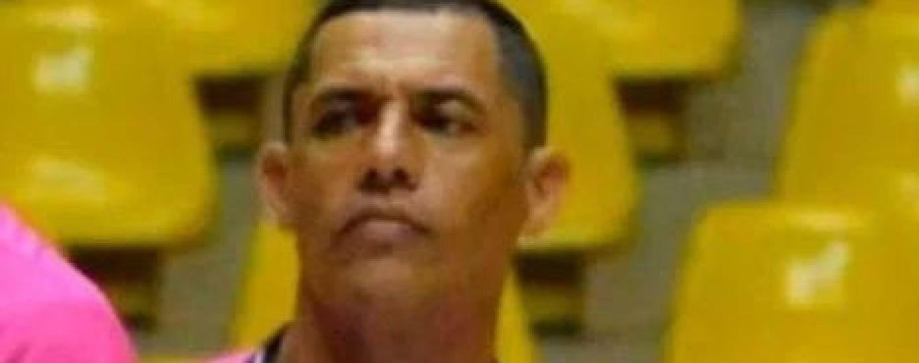 В Бразилии арбитр скончался после сердечного приступа во время матча