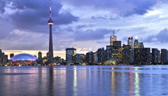 Через пандемію коронавірусу в Торонто скасували усі масові заходи до 30 червня
